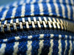 Обработка прорезного кармана на молнии