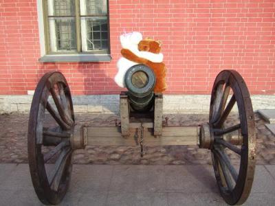 Пушка в Петропавловке