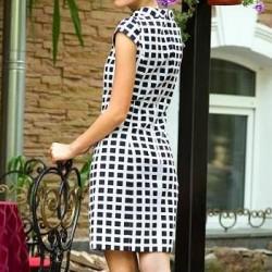 Платье с вытачками на спине